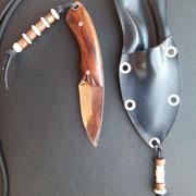 Nr.3/12, Neckknife, Stahl :Carbonstahl (Ck101), Gesamtlänge:11cm, Klinge :4,7cm lang und 1,95mm stark, Griff: Honduraspalisander,