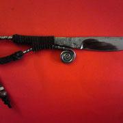 N.4.) Stahl : Federstahl, gesamt 22cm, Klinge 8,7cm, Klingenstärke 5mm- 0,1 mm an der Spitze, sehr scharf