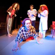 Marc-André Tessier. Sylvain Sabatié, Virginie Houët, Patrick Potvin - Monstres sans soucis - Théâtre de Dehors - Photo Théâtre Marianne Duval
