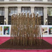 """"""" CUMULUS FRACTUS """" Pierres, Bambou, Cordes en coco, Tourbe.  hauteur: 3 m, base: 5 X 5 m.( installation éphémère). Paris 2014 ."""