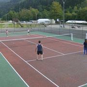 Accès gratuit au terrain de Tennis avec prêt de matériel