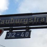 Unser Straßenschild mit der Nummer 32