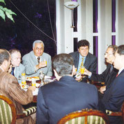 Ecevit'in evinde gazetecilerle (1998 – Ankara)