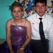 Kasabamız halkından Şeytan Osmanın oğlu Mustafa KURT, Nazilli li Mehmet kızı Meral GÖK ile evlendi. 26/07/2009