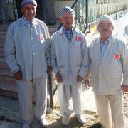 Kasabamızdan bu yıl Umre ye gidecek vatandaşlarımız için Aşağı Cami önünde dualar okundu. 16.03.2010