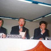 Ahmet Taner Kışlalı'yla konferansta – Ordu