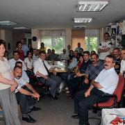Cumhuriyet Ankara bürosu'nun Atatürk Bulvarındaki eski yerinde tüm çalışanlarla (2006 – Ankara)
