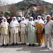 Kasabamızdan ve çevre köylerimizden ziyaret için Umre ye giden vatandaşlarımız geldiler. 24.03.2010