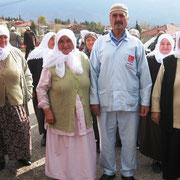 Kasabamız halkından Aynalıların Osman BAY ve Eşi Kamile BAY, Hac görevlerini tamamlayarak Hacı olarak geldiler. 29.11.2010