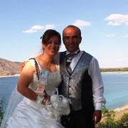 Kasabamız halkından Halimlerin Merhum Mehmet kızı Nuray ŞEVK, Yeşilova İlçesinden Tuncer oğlu Engin SALAN ile evlendi. 21/07/2007