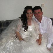 Kasabamız halkından Paralıların Yusuf oğlu Soner AVŞAR, İzmirli Ahmet kızı Aygül Tosun ile evlendi. 11/07/2009