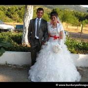 Kasabamız halkından Ömerçavuşların Kamil oğlu Ercan ŞEVK, Karaköy köyünden Mehmet kızı Semihan AKGÜN ile evlendi. 06/09/2011