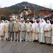Kasabamız halkından, Umre ya gidecekler için Aşağı Cami de dualar eşliğinde uğurlama töreni yapıldı.  28.02.2011