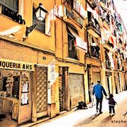 Sol de la mañana en el Barrio El Raval. Barcelona
