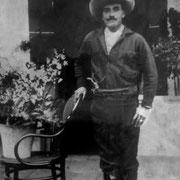 Señor Amado Martinez Año: 1937, RESTAURADA