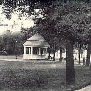 Aschersleben  1920  Herrenbreite mit Musikhalle