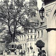 Aschersleben  1910  Rathaus mit Hennebrunnen