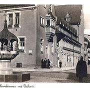 Aschersleben  1938  Hennebrunnen und Rathaus