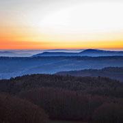 Spätherbstliche Abendstimmung bei Hohenstein in der Hersbrucker Alb | © Bernhard Thum, Bild ID HE-XX-20XX-007
