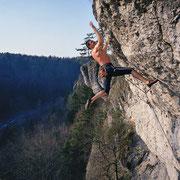 Helmut Andelt klettert »Immer der Nase nach« (9), Rote Wand | © Bernhard Thum, ID-Nummer BA-XX-20XX-005