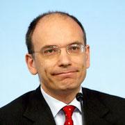 enrico letta (sottosegretario presidenza consiglio 2007 deputato PD) candidato segretario del partito nel 2007, nipote di gianni letta