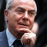gianni letta (sottosegretario presidenza consiglio 2008 deputato PDL) ex vicepresidente fininvest ,  zio di enrico letta