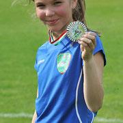 Die neunjährige Biesdorferin Paula spielt seit kurzem Hockey und ist auch sonst immer in Bewegung – ob beim Schwimmen oder Skifahren. Logisch, dass Sport auch ihr Lieblingsfach in der Schule ist.