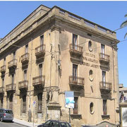 Programma integrato di Caltagirone - Palazzo Ingrassia-Lanzirotti - Foto da via Roma