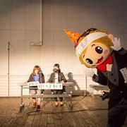 web-KURSあざみ色朗読隊のコーナー「出張編!金沢大学ラジオ」を務めた七尾育実アナウンサー(左)と笈田紗希アナウンサー(右)。