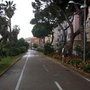 auf dem Radweg durch Sanremo