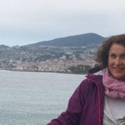 Sanremo im Hintergrund