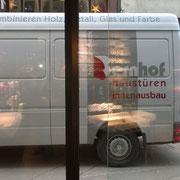 Servicebus in Aktion - wir liefern nicht nur im Werdenberg und Rheintal - auch ins Engadin oder Wallis fährt unser Bus