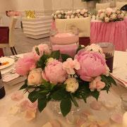 メインのお花は「しとやかで美しい意のシャクヤク」5月の時期だけの限定デザイン!