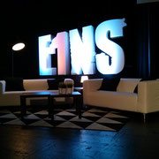 E1NS: Das Motto in der Couch-Ecke