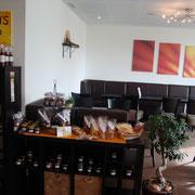 unser Wildi's Shop mit den hausgemachten Guetzli, Konfitüren und Schokoladenkreationen