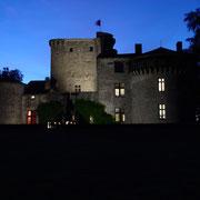 Le château médiéval de Tennessus au crépéscule