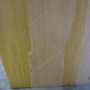 Plexiglasplatten mit angezeichneten Schnittkanten