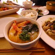 お店みたい~! 盛岡冷麺。 ピリ辛のダシとごむごむの麺がマッチング。