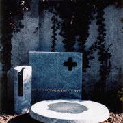 Grabmal nach einem Entwurf von Prof. Josef Zenzmayer