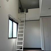 2階ロフト付洋室