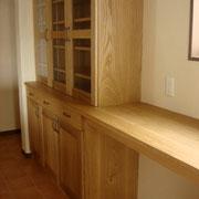 ナラ カウンター付食器棚 W2,700  D500  H1,800