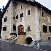 Schöne Häuser in Zernez