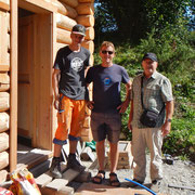 Drei Generationen vor dem Blockhaus
