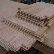 Tables saillantes des panneaux en chêne massif