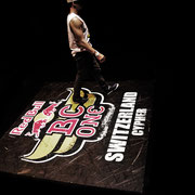 The show can begin.... Red Bull BC ONE SWITZERLAND CYPHER 2012