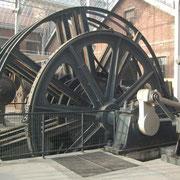 Machine d'extraction dans la verrière.