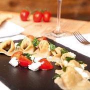 JORA MOUNTAIN DINING - MONTE BARANCI - SAN CANDIDO Innichen Markus Holzer Pasta on the rocks Gourmet Südtirol