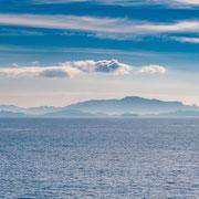 Banque image Provence - Marseille depuis la mer dans la brume - Marseille