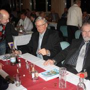 Österreich unter sich, v.l. Ingrid Schuster, J.Passecker, H.Fink, F.Schuster, EE-Vertreter-Spartenvorsitzender Gustl Heftberger, F: Stanke