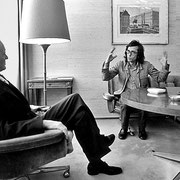 Christo im Gespräch mit Bundestagspräsident Karl Carstens, 20. Januar 1977 // Foto: Wolfgang Volz